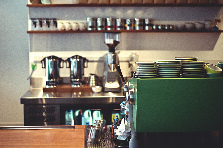 Melbourne coffee photographer - League Honest Coffee cashier