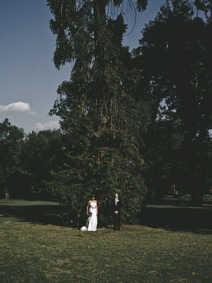 Melbourne Wedding Couple at Fitzroy Garden