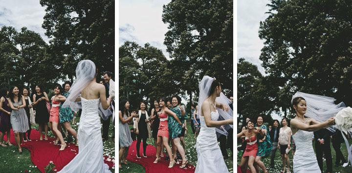 Melbourne Japanese bride bouquet toss