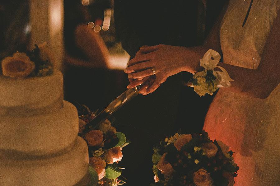 Cutting the cake - Babalu bar - Lorne wedding