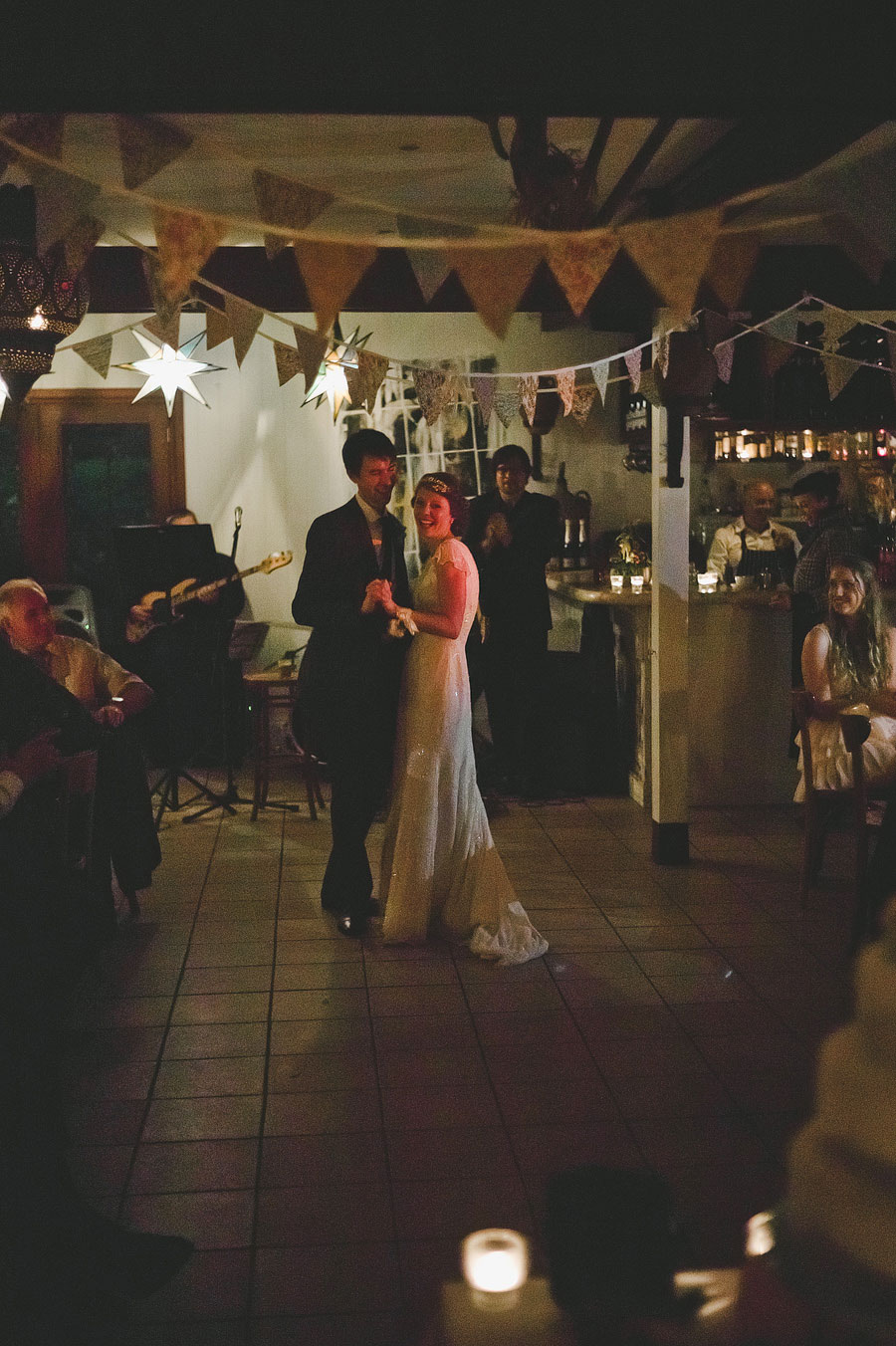 Wedding first dance - Babalu bar - Lorne