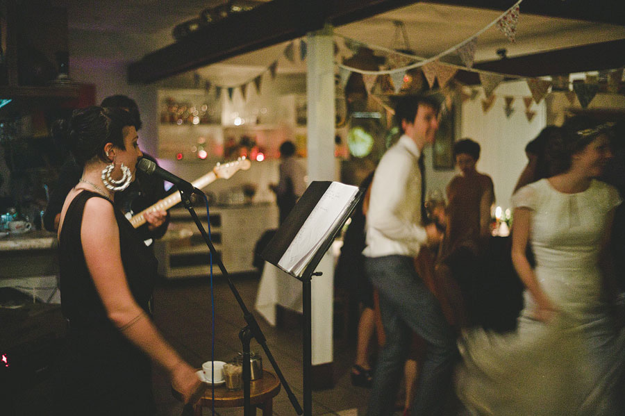 Band singing at Babalu bar - Lorne