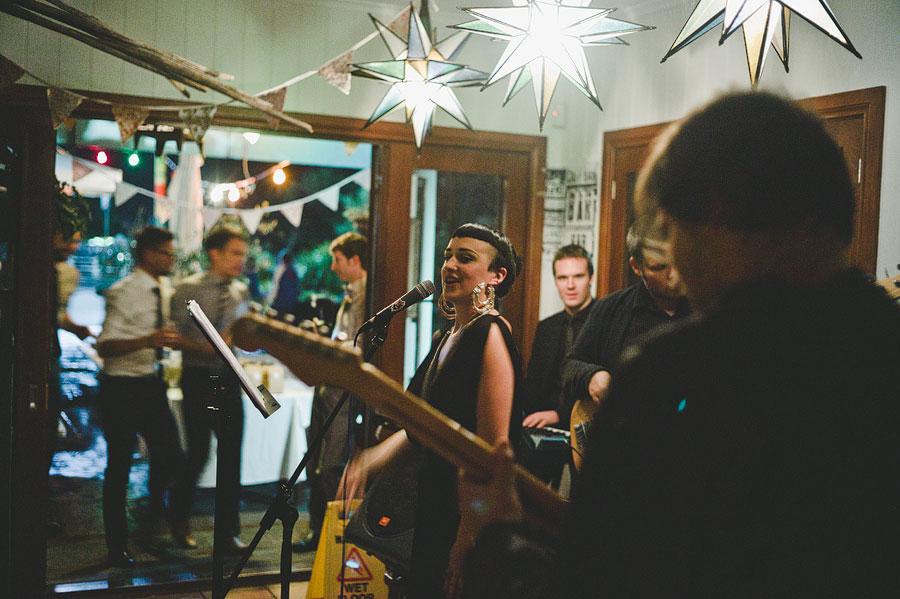 Beautiful voice at Babalu bar - Lorne