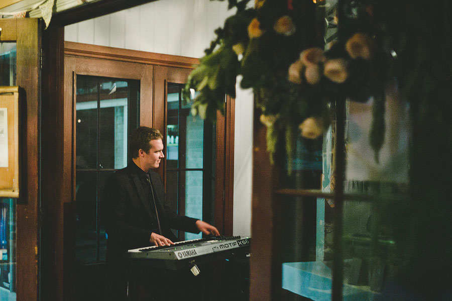 Wedding pianist at Babalu bar - Lorne