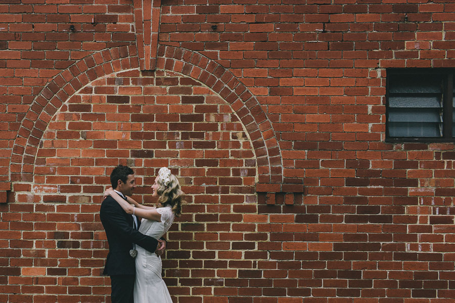 brick arch melbourne wedding photographer