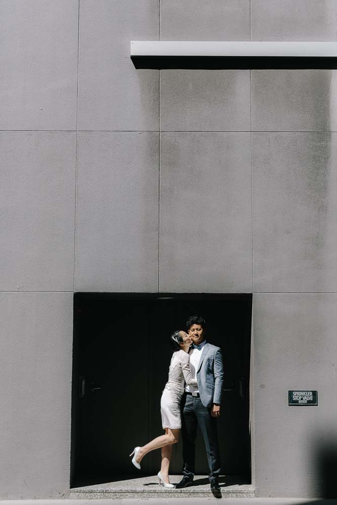 wedding models kissing flinders lane