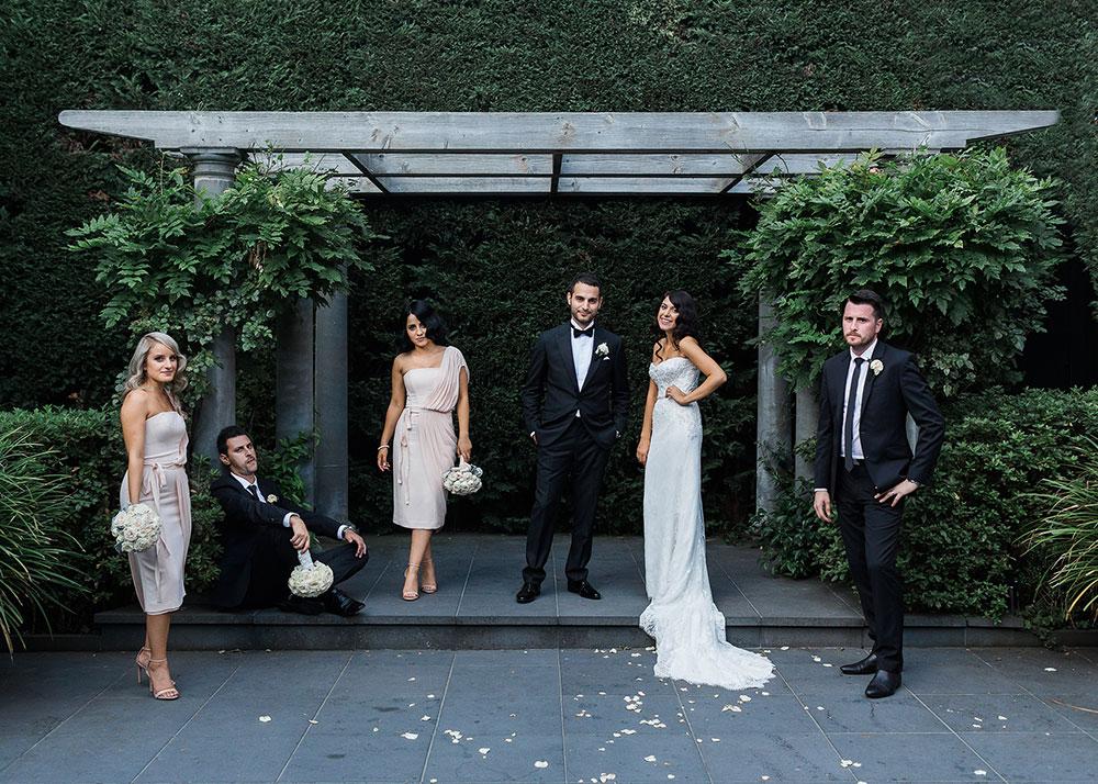 Quat-quatta-ripponlea-wedding-group-portrait