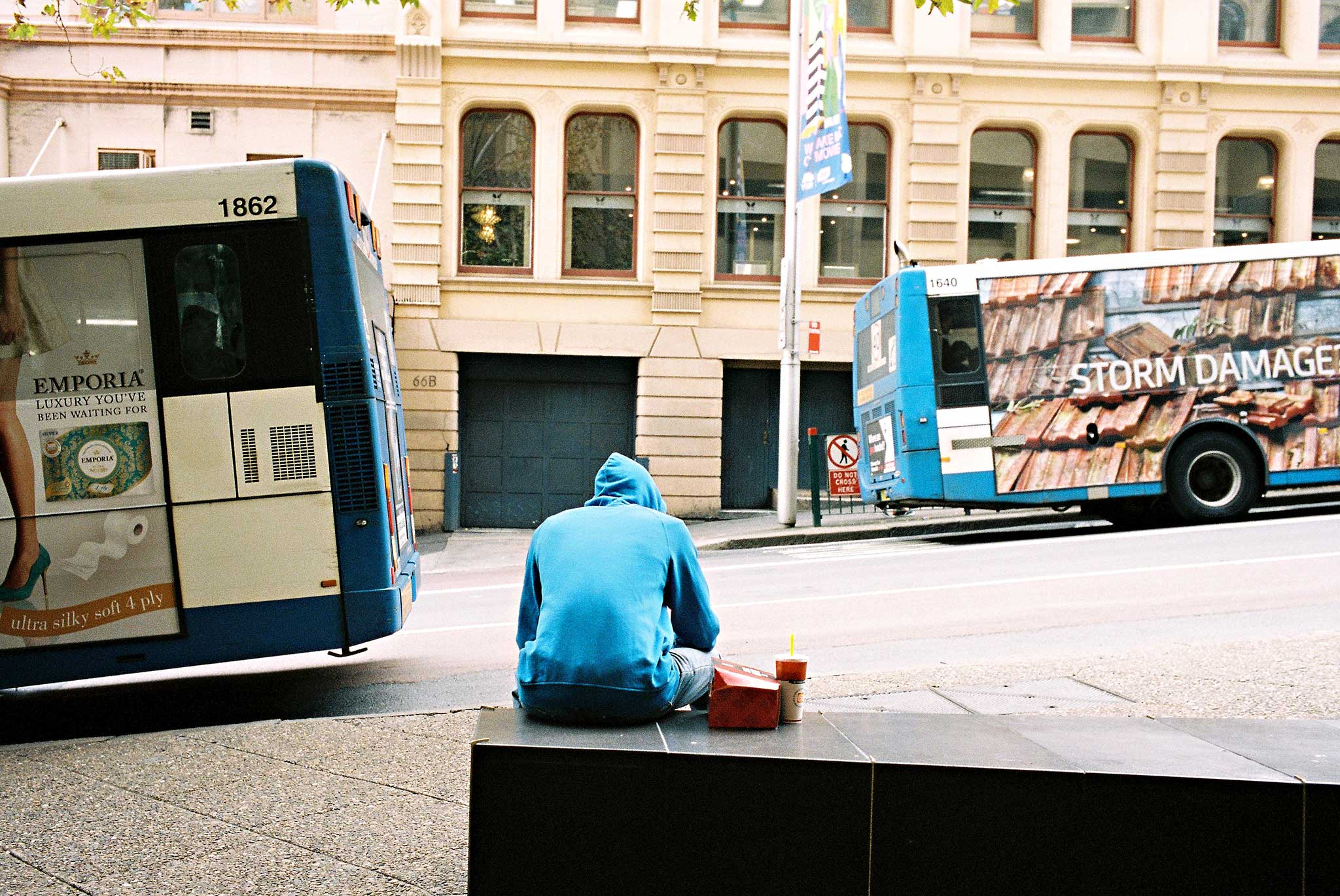 blue-sydney-town-hall-library-bus