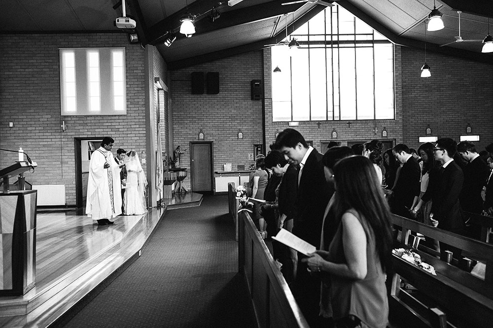 Burwood-wedding-photographer-ceremony-tina-dennis