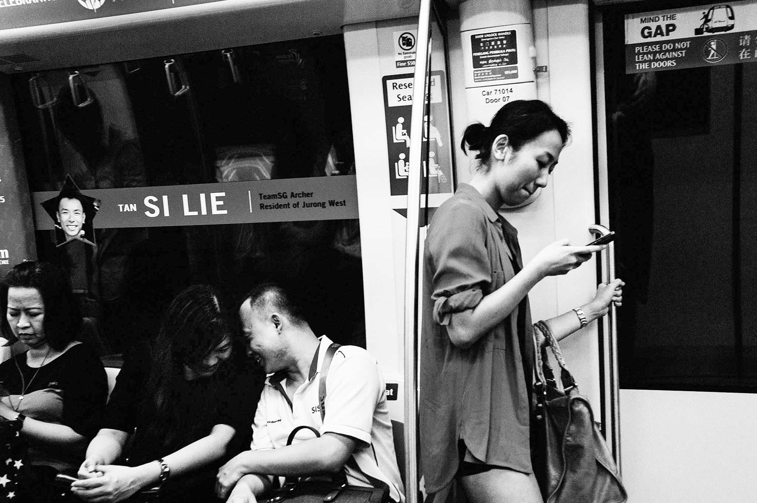 singapore-travel-photography-chinatown-mrt