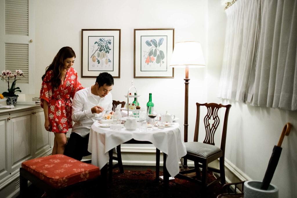 singapore-raffles-hotel-wedding-cake-photographer