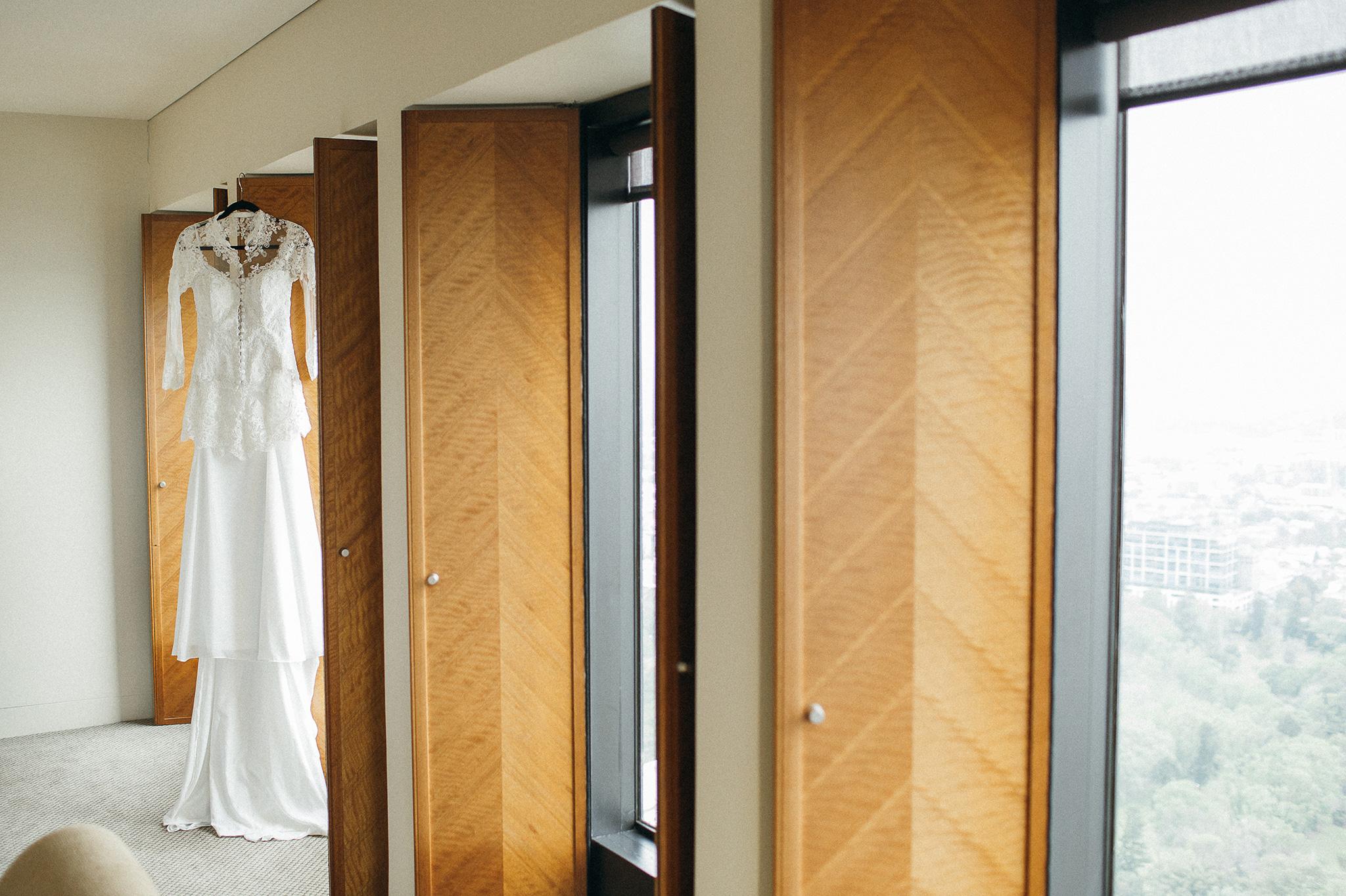 Melbourne-sofitel-wedding-photographer-dress