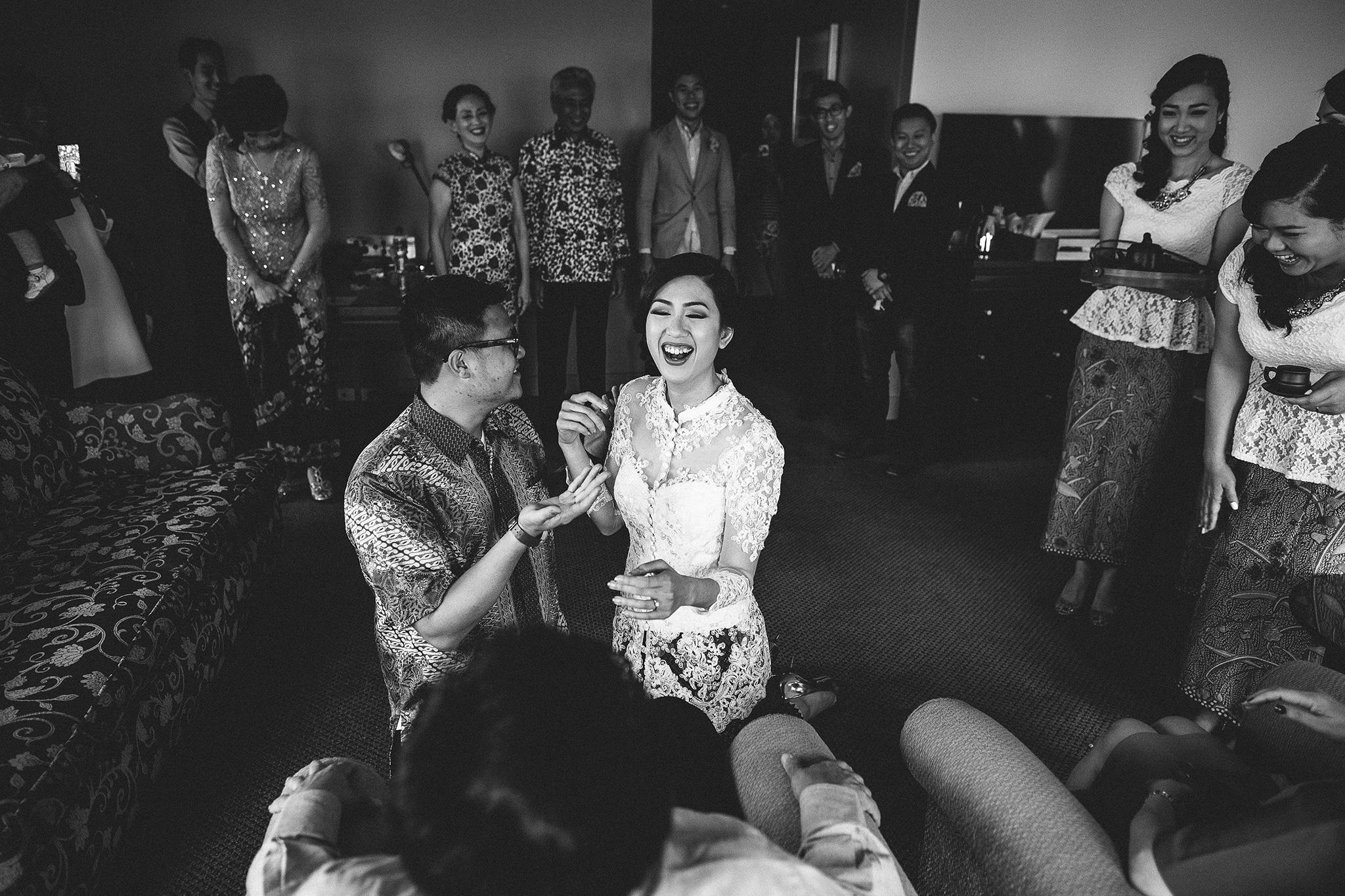 Melbourne-sofitel-wedding-photographer-tea-ceremony