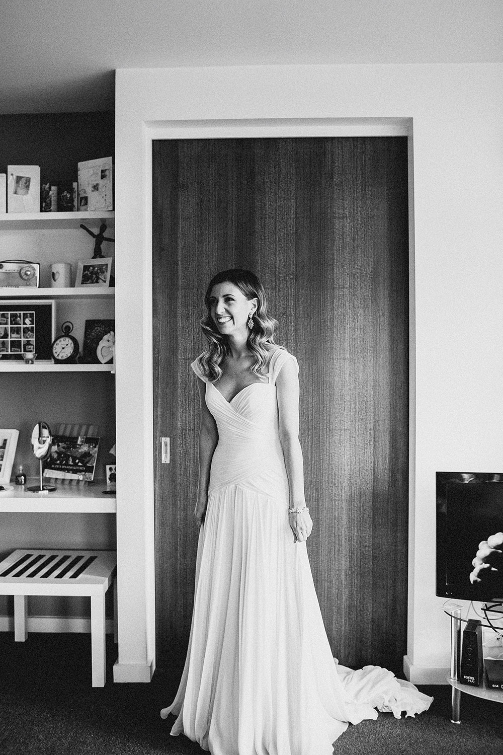 the-willows-melbourne-wedding-photographer-bride-getting-ready