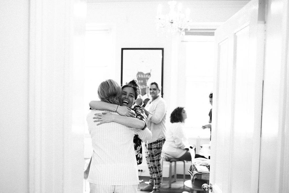 MONA-wedding-photographer-hug