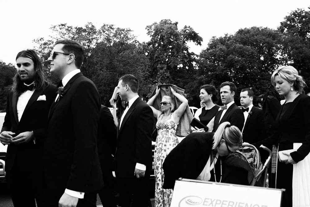MONA-wedding-photographer-rain