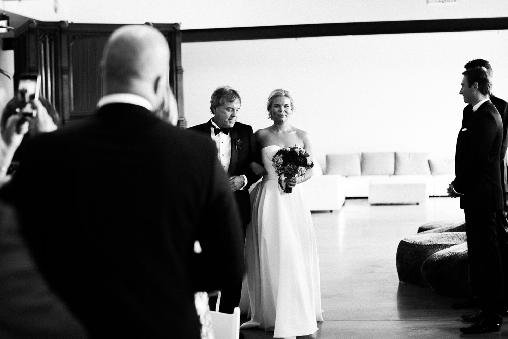 MONA-wedding-photographer-organ-room-bride-arrival
