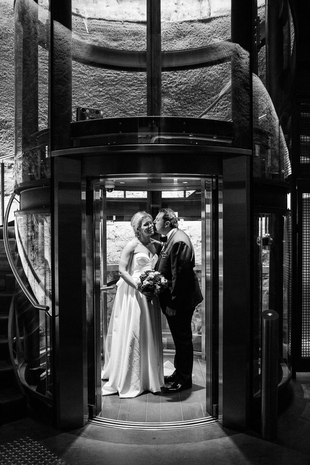 MONA-wedding-photographer-elevator