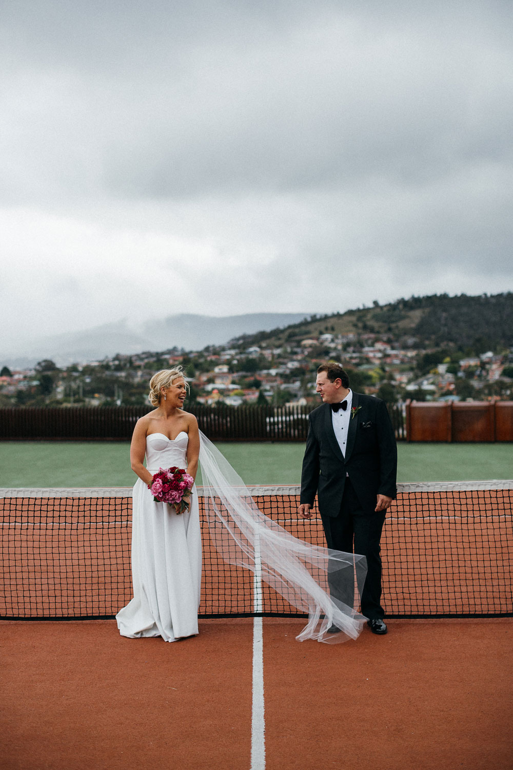 MONA-wedding-photographer-tennis-court