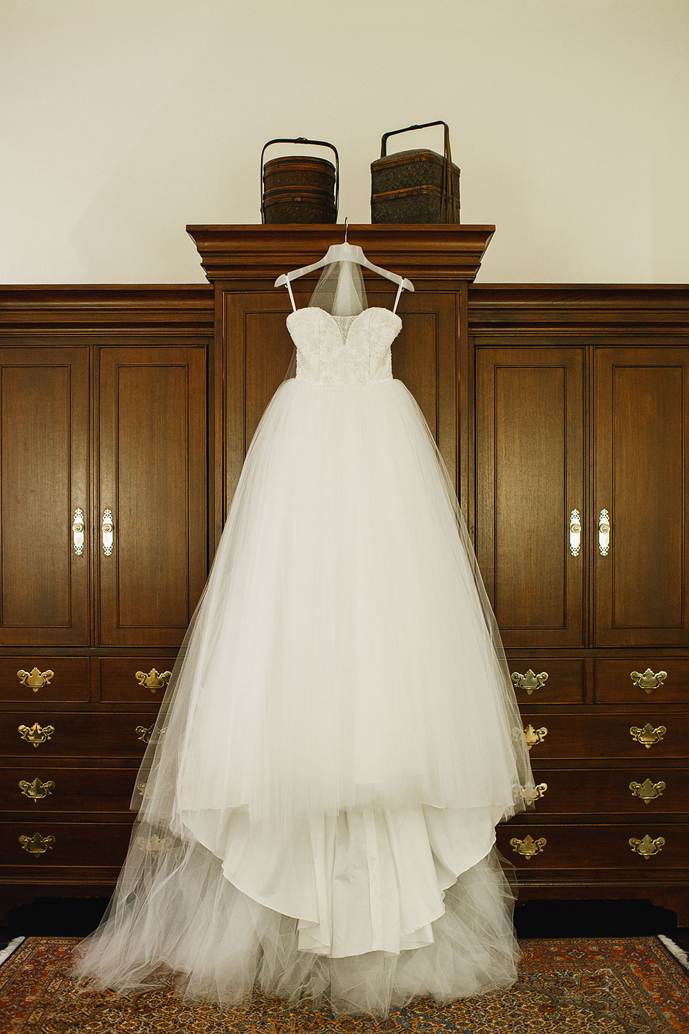 Singaore-Raffles-Hotel-Wedding-dress-photo