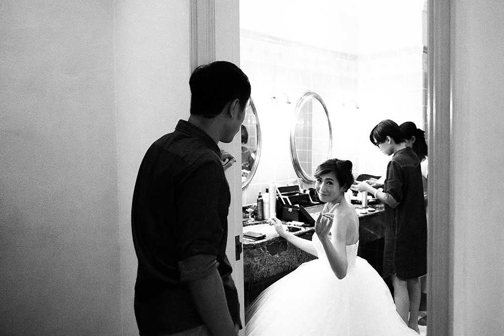 Singaore-Raffles-Hotel-Wedding-getting-ready