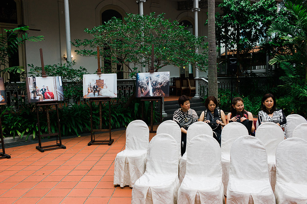 Singaore-Raffles-Hotel-Wedding-guests