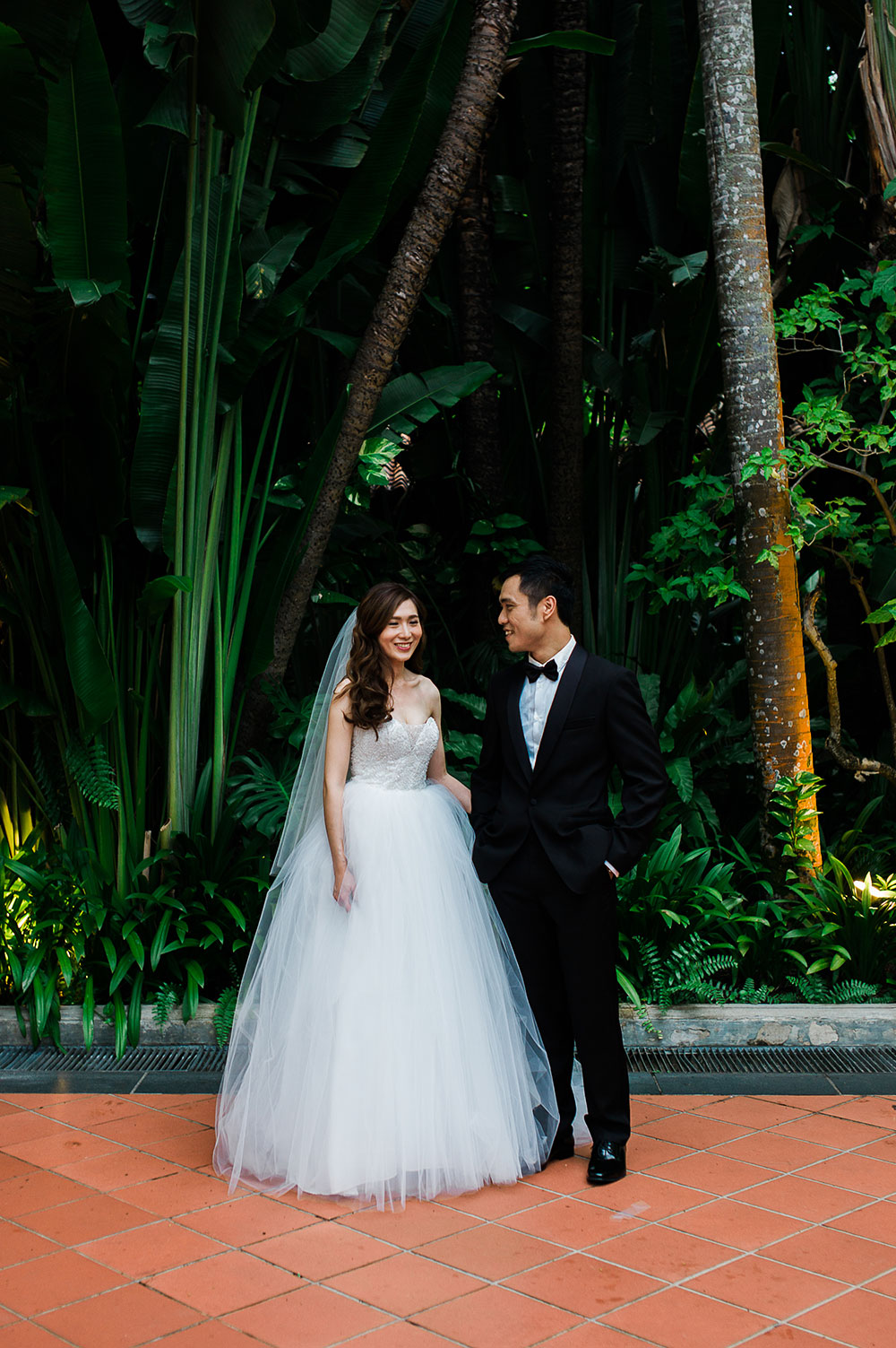 Singaore-Raffles-Hotel-Wedding-formal-portrait
