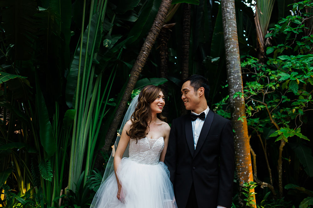 Singaore-Raffles-Hotel-Wedding-tree-portrait