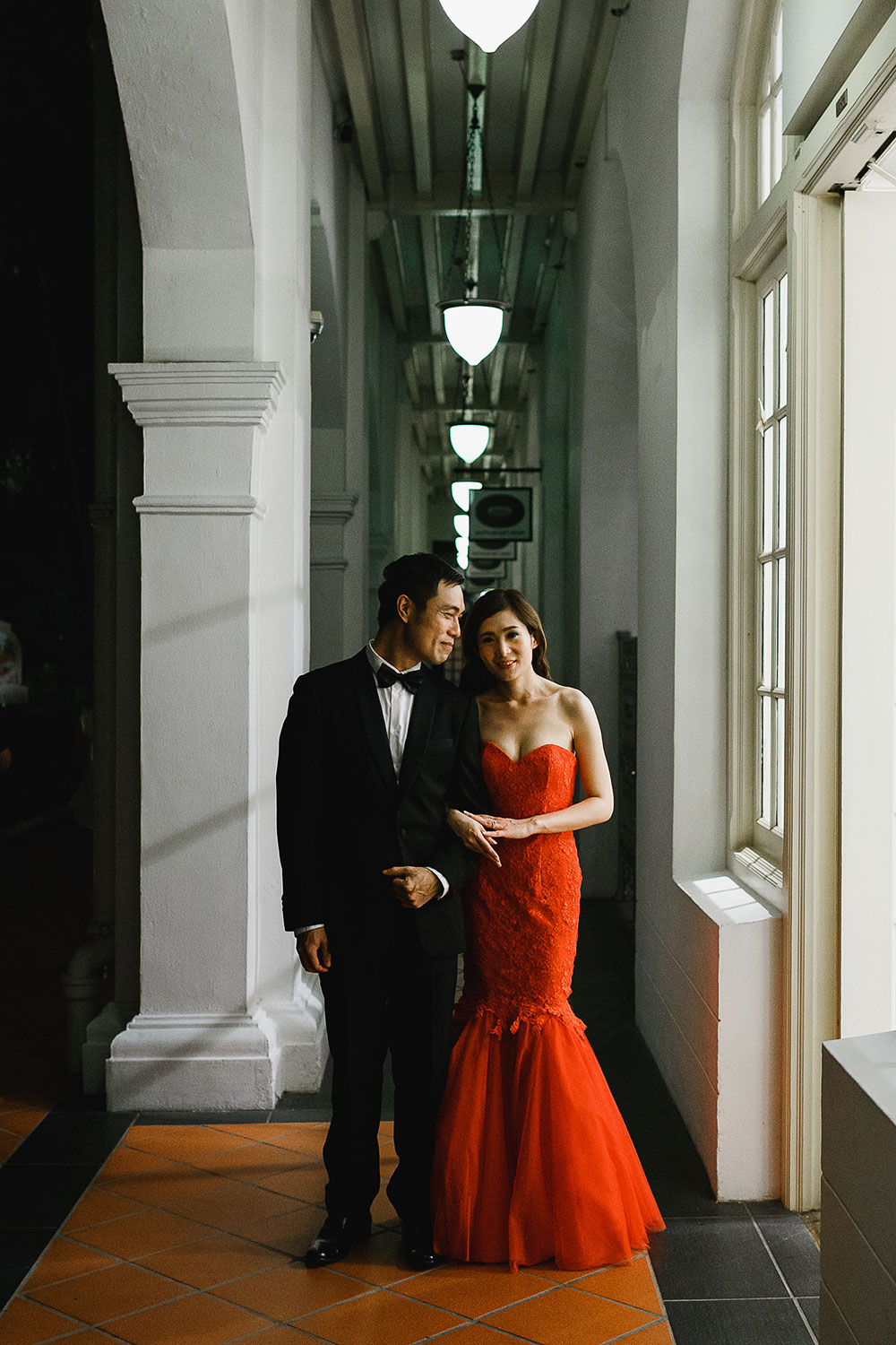 Singaore-Raffles-Hotel-Wedding-evening-portrait