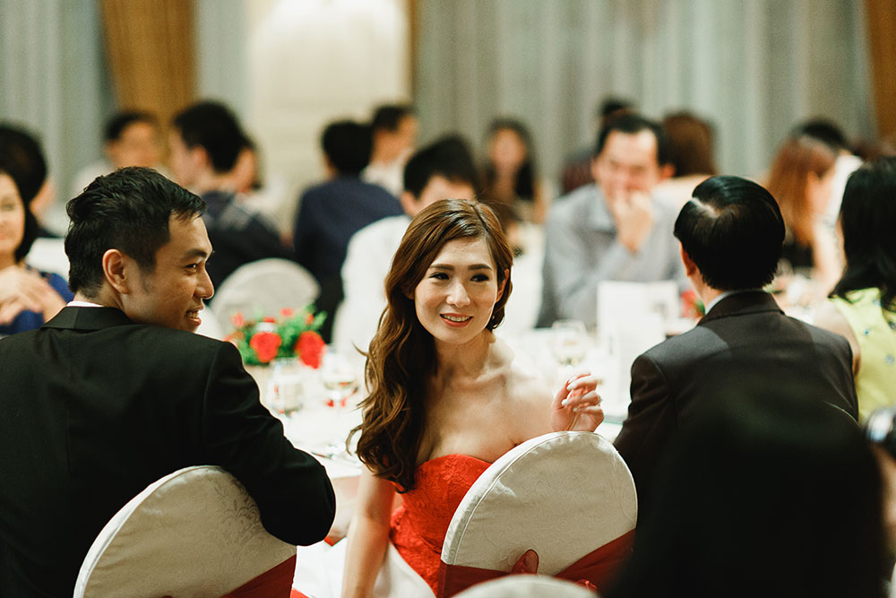 Singaore-Raffles-Hotel-Wedding-bride-red-dress