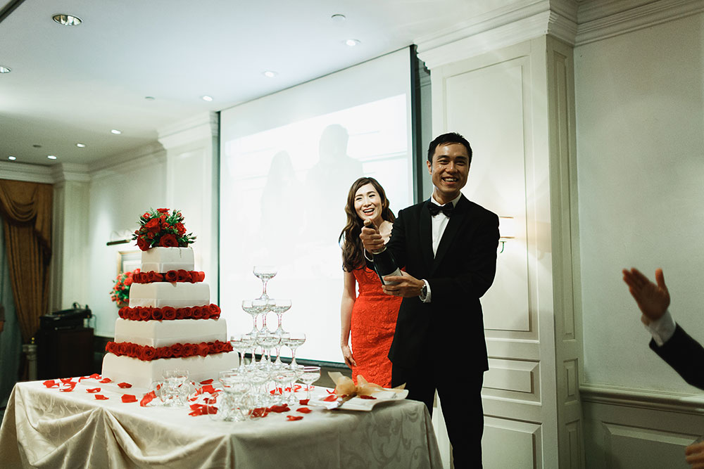 Singaore-Raffles-Hotel-Wedding-champagne