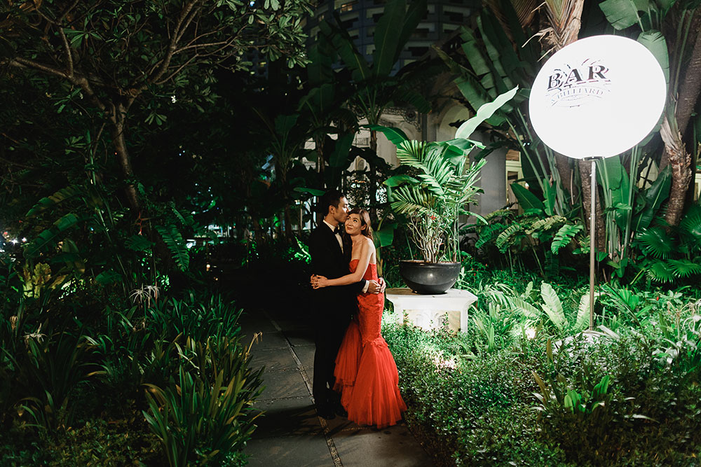 Singaore-Raffles-Hotel-Wedding-night-portrait