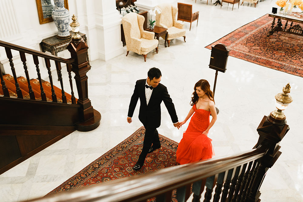 Singaore-Raffles-Hotel-Wedding-stairs