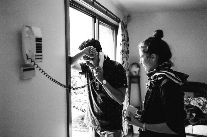 mildura-backyard-wedding-phone-call