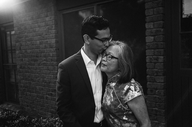 mildura-backyard-wedding-groom-mum