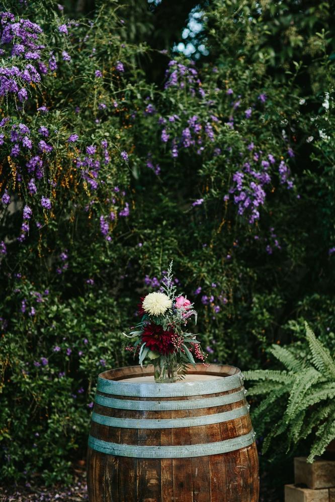 mildura-backyard-wedding-flower-decoration