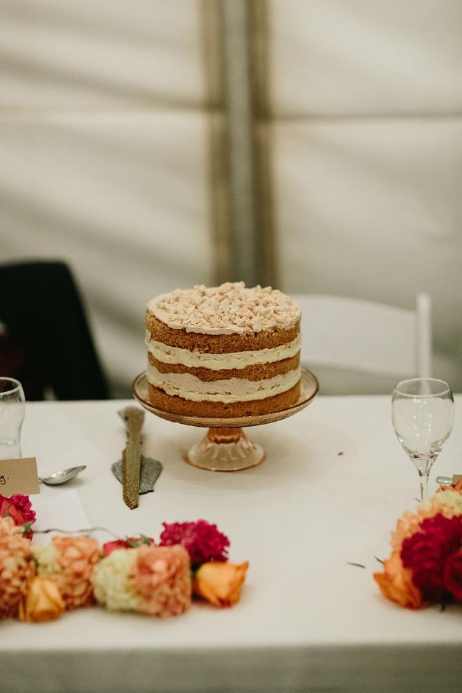 mildura-backyard-wedding-cake