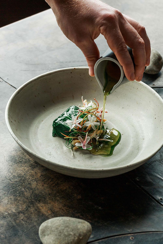 vue-de-monde-food-photographer-fish-leaf
