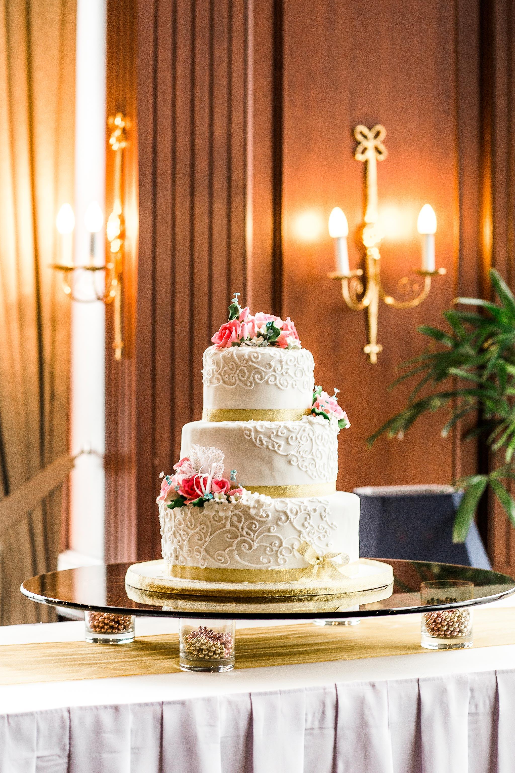 Bankers-Club-Kuala-Lumpur-Wedding-cake