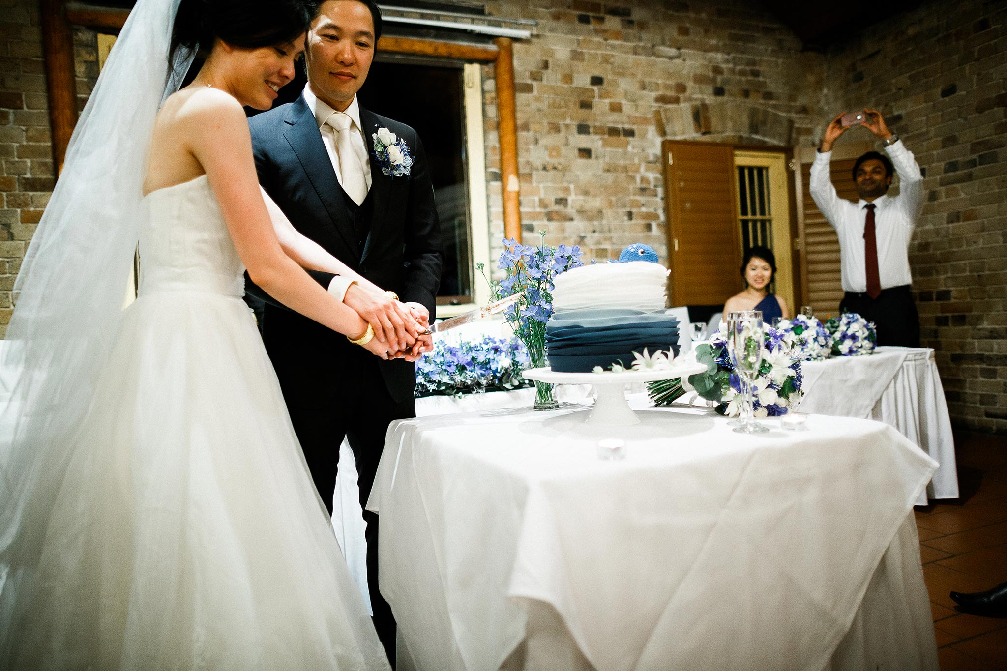 Sydney-The-Rocks-Italian-Village-Wedding-Reception-Cake-Cutting