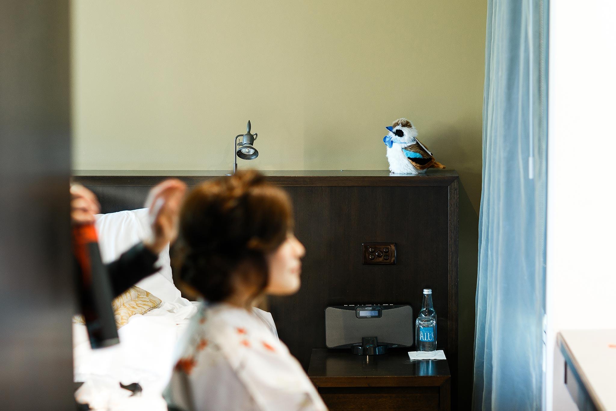 Daylesford-Lake-House-Wedding-Photography-make-up