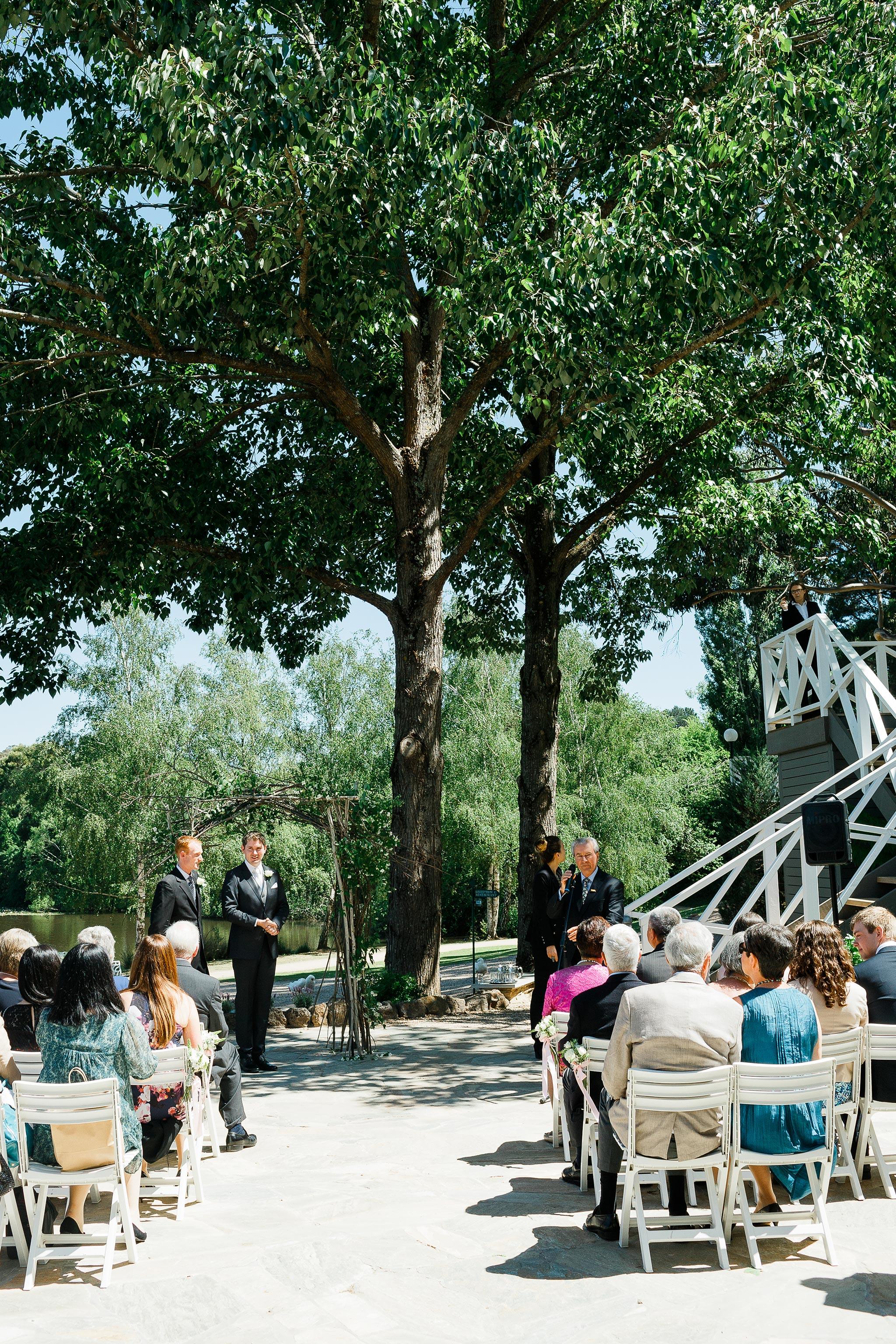 Daylesford-Lake-House-Wedding-Photography-ceremony