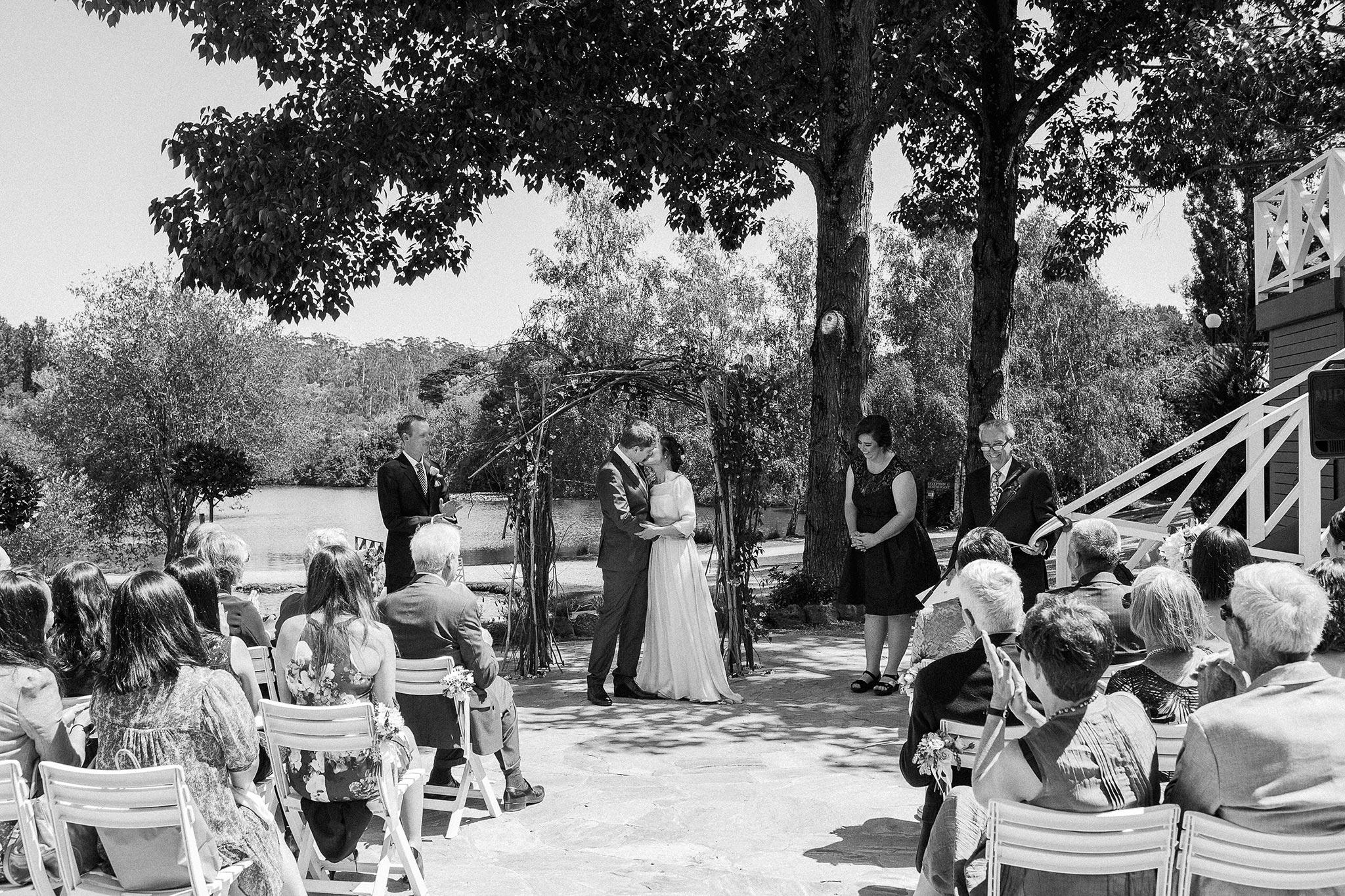 Daylesford-Lake-House-Wedding-Photography-ceremony-kiss
