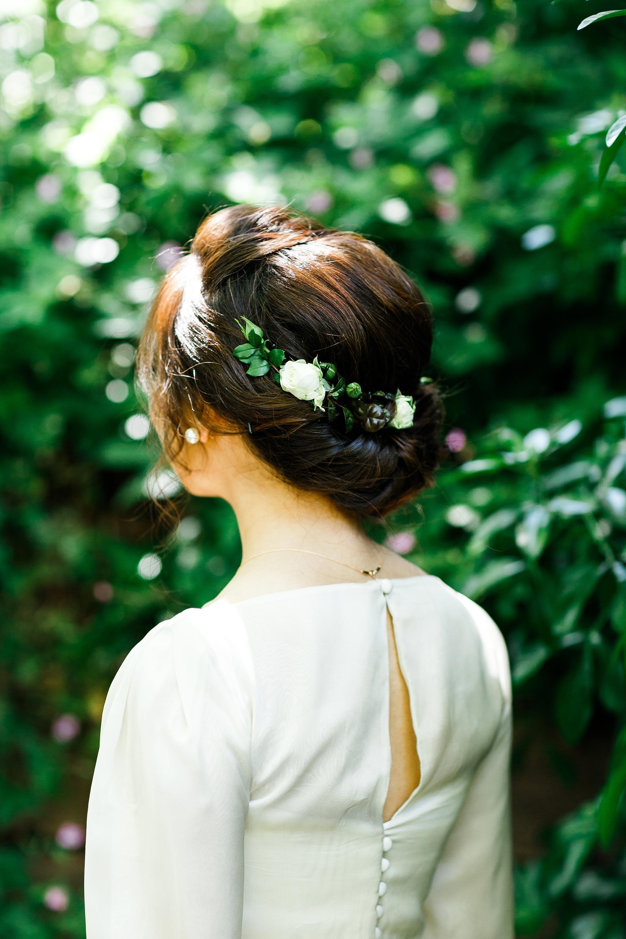Daylesford-Lake-House-Wedding-Photography-bride-hair