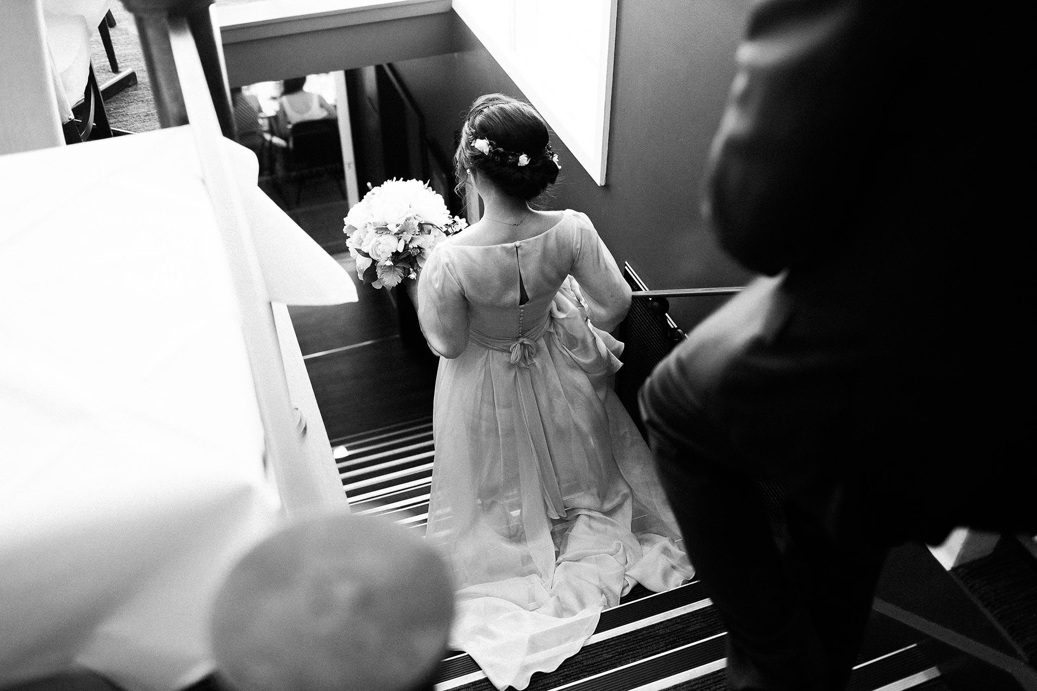 Daylesford-Lake-House-Wedding-Photography-entrance-reception