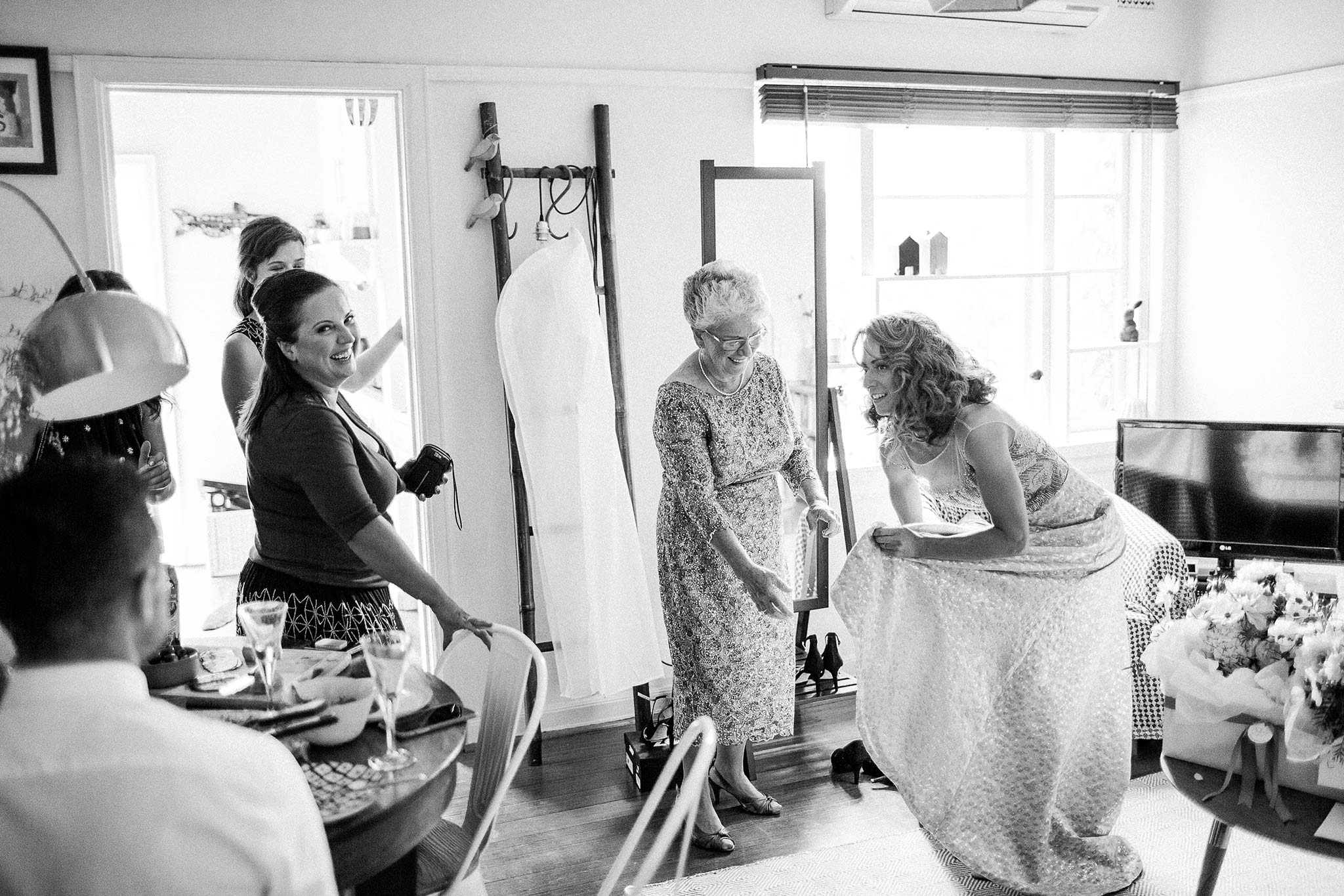 Melbourne-Epocha-Wedding-Photographer-bride-getting-ready