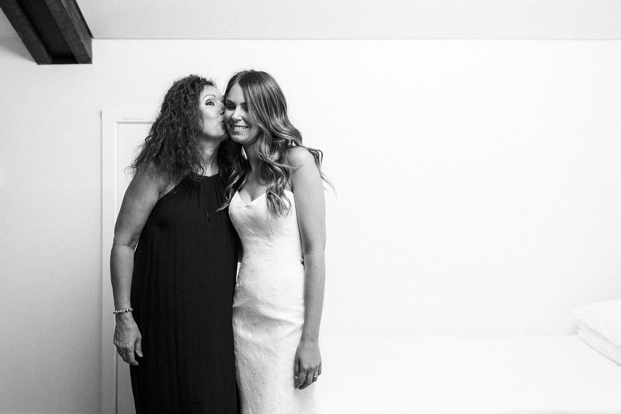 Launceston-Brickendon-barn-Wedding-Photographer-bride-mum