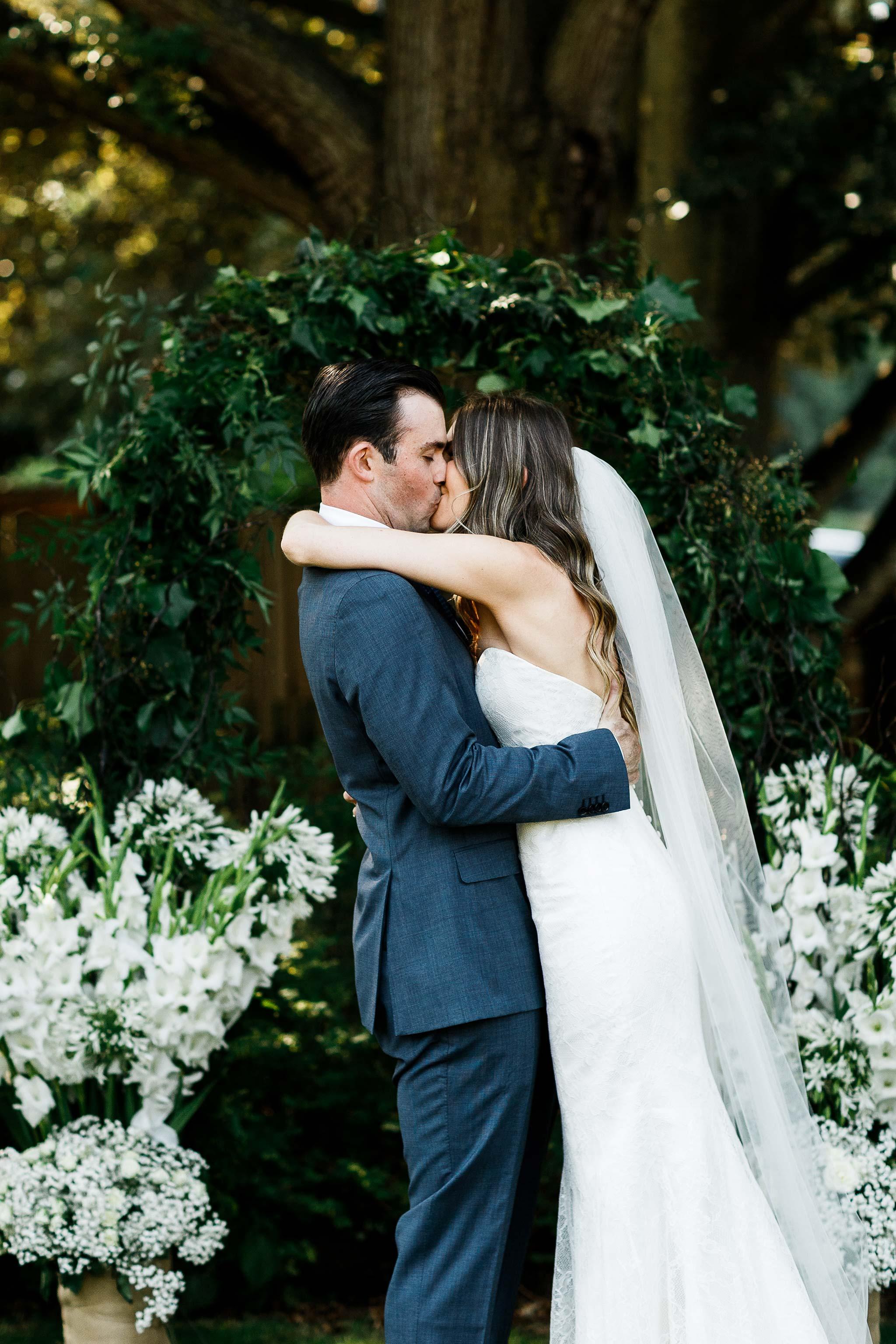 Launceston-Brickendon-Wedding-Photographer-ceremony-kiss