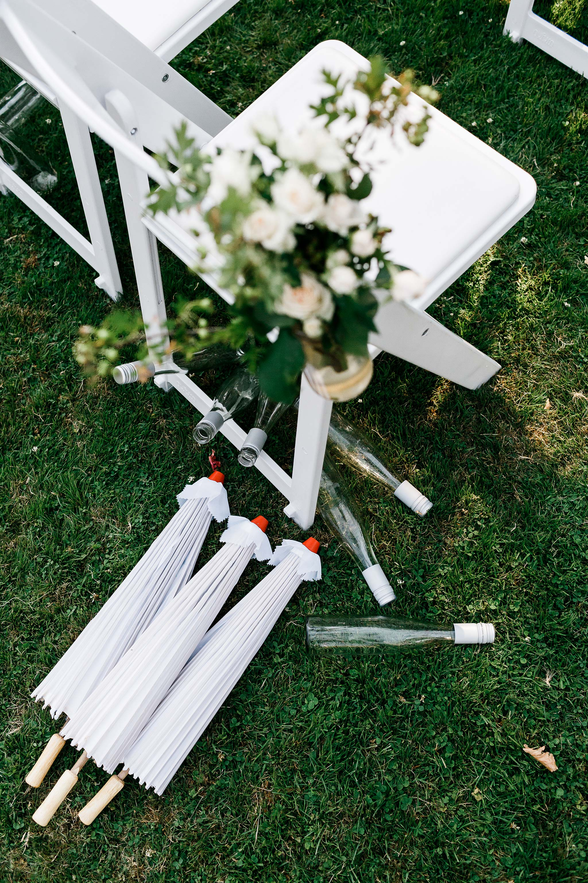 Launceston-Brickendon-Wedding-Photographer-umbrellas