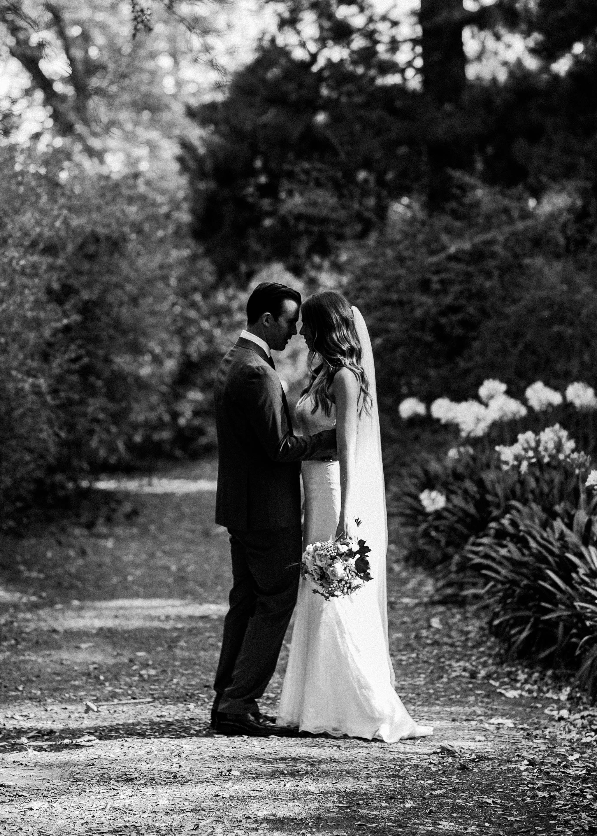 Launceston-Brickendon-Wedding-Photographer-groom-bride-portrait